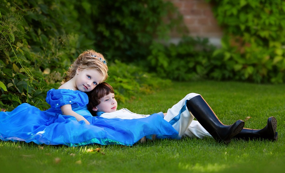 How To Buy Ball Gowns For Kids